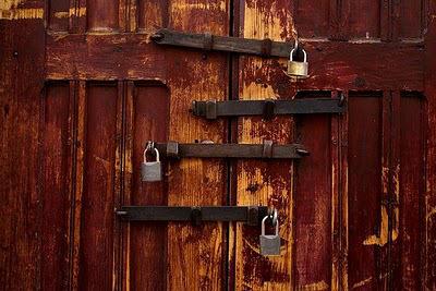 puertas-cerradas