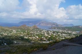 Vulcano y al fondo la isla de Lipari.