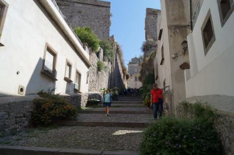 Escalinata que te lleva a la bonita iglesia de Lipari.