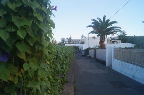 Calles blanqueadas del pueblo de San Vincenzo, en Stromboli.