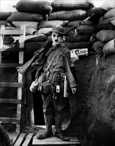 shoulder-arms_armas-al-hombro_charles-chaplin-19181