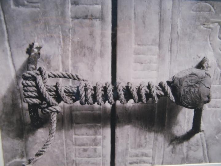 La puerta de Tutankamon