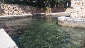 Piscina natural de agua salada, presumiblemente del hotel pijo de cala Formentor