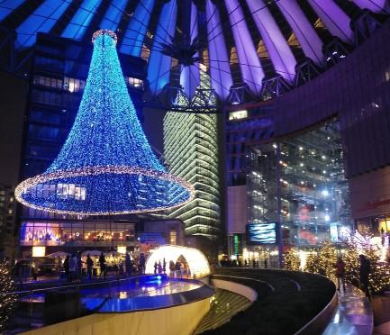 La Postdamerplatz, chute de luces navideñas